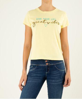 Camiseta-Manga-Corta-Romantica-13017953-Amarillo_1