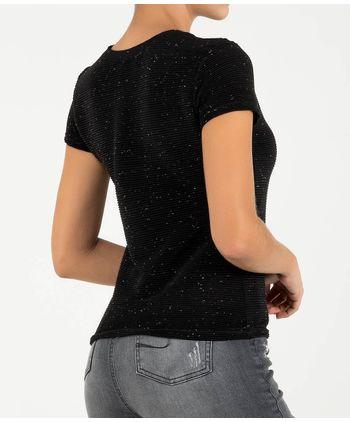 Camiseta-tela-trillada-11145814-negro_2