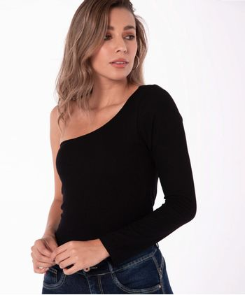 Camiseta-11029815-negro_1